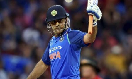 dhoni completes 10000 runs in ODIs for India